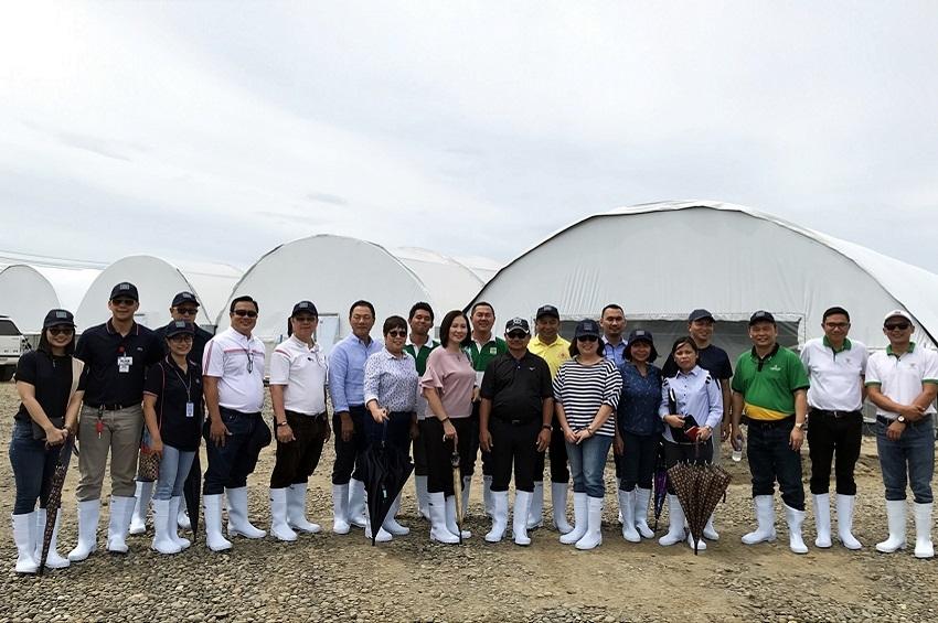 รัฐมนตรีว่าการกระทรวงเกษตรฟิลิปปินส์ และ เอกอัครราชทูตไทย ณ กรุงมะนิลา เยี่ยมชมฟาร์มกุ้งดาเวา