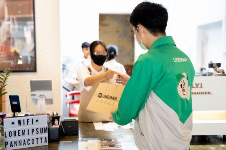 LINE MAN พร้อมช่วยเหลือร้านอาหารในพื้นที่ควบคุม เปิดขายเดลิเวอรีได้ทันที เลือกได้ทั้งแบบ Non-GP และ GP