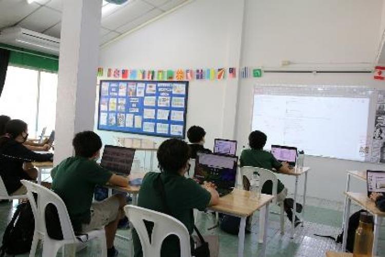 นักเรียนไทยเลือกศึกษาต่อยังประเทศที่เสี่ยงโควิดน้อยกว่าในปี 2564