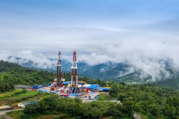 แหล่งก๊าซหินดินดานในเขตฝูหลิงของ Sinopec สร้างสถิติใหม่โดยผลิตก๊าซได้ 4 หมื่นล้านลูกบาศก์เมตร